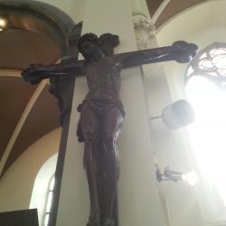 Eglise Ste-Walburge, Christ en croix