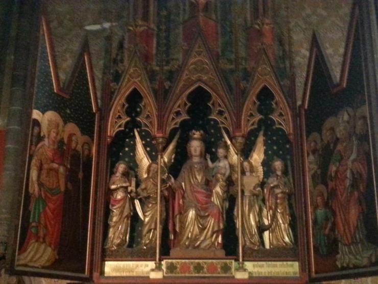 Collégiale Ste-Croix - autel de la Vierge