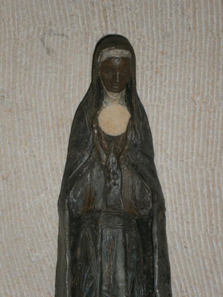 Eglise Ste-Julienne, statue de l'autel