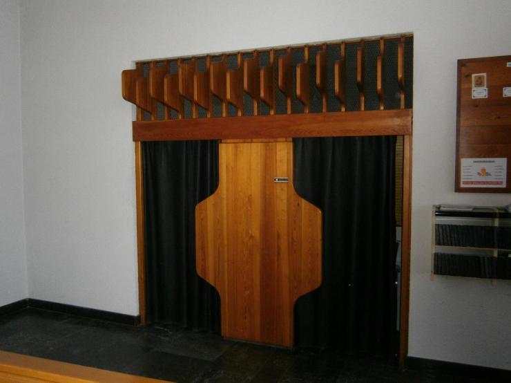 Eglise Ste-Julienne, confessionnal