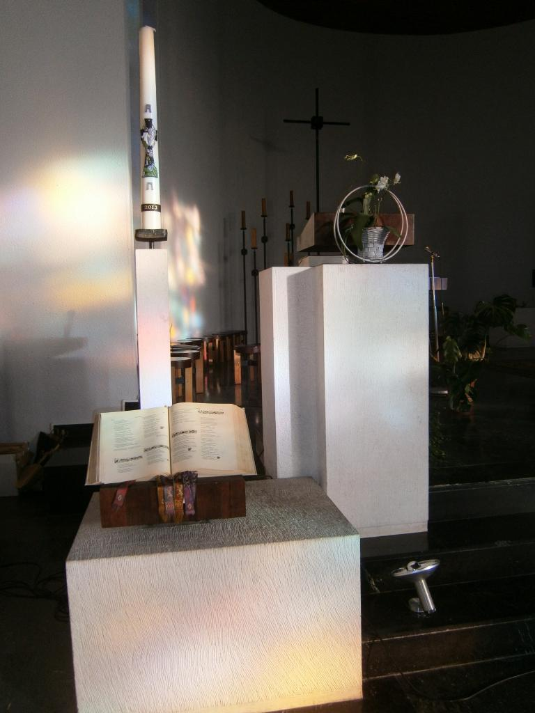 Eglise Ste-Julienne, ambon