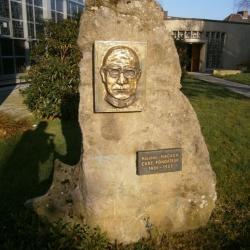 Eglise Ste-Julienne, hommage à son curé fondateur