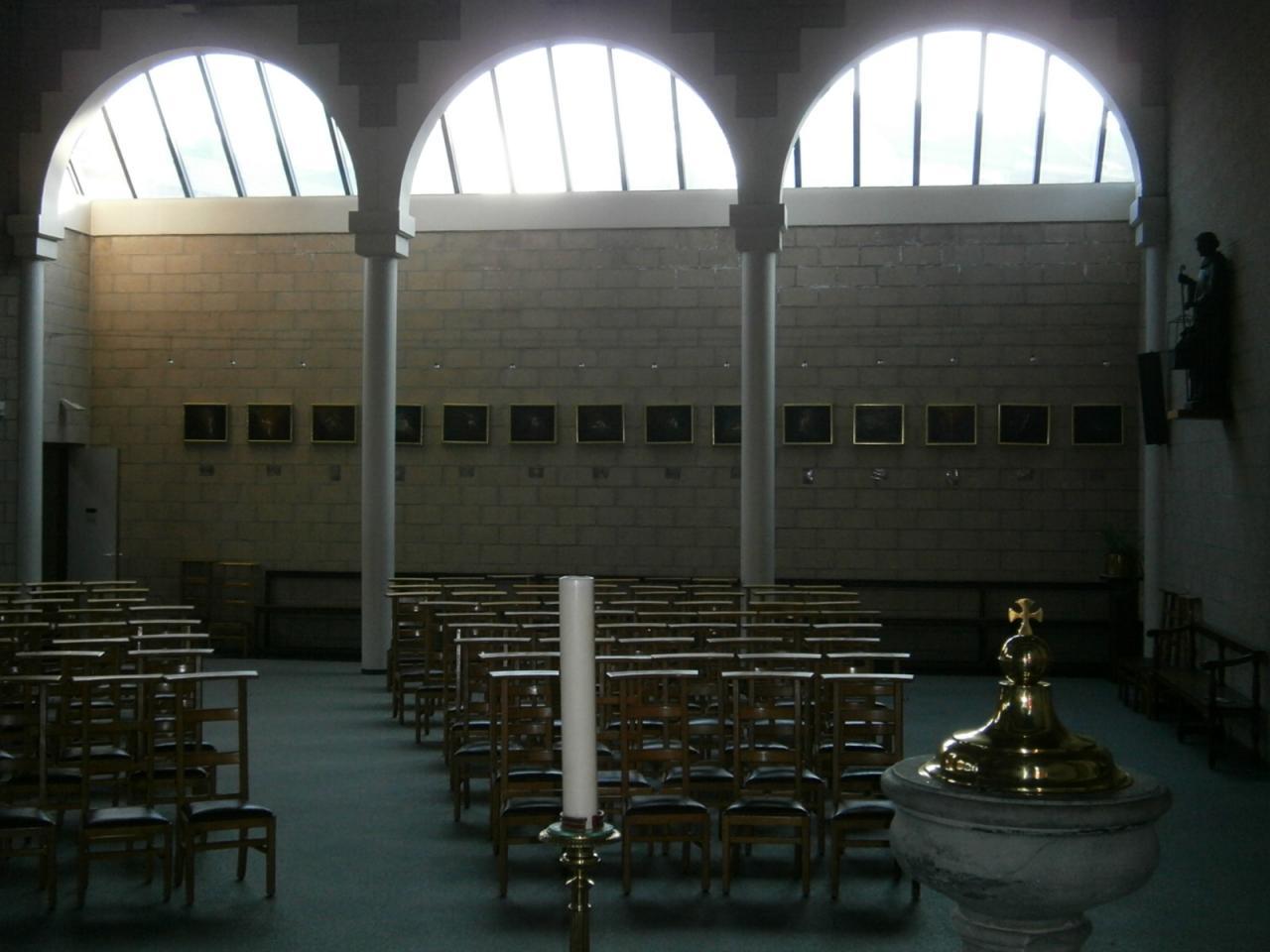 Eglise Ste-Marguerite, vue sur le chemin de croix