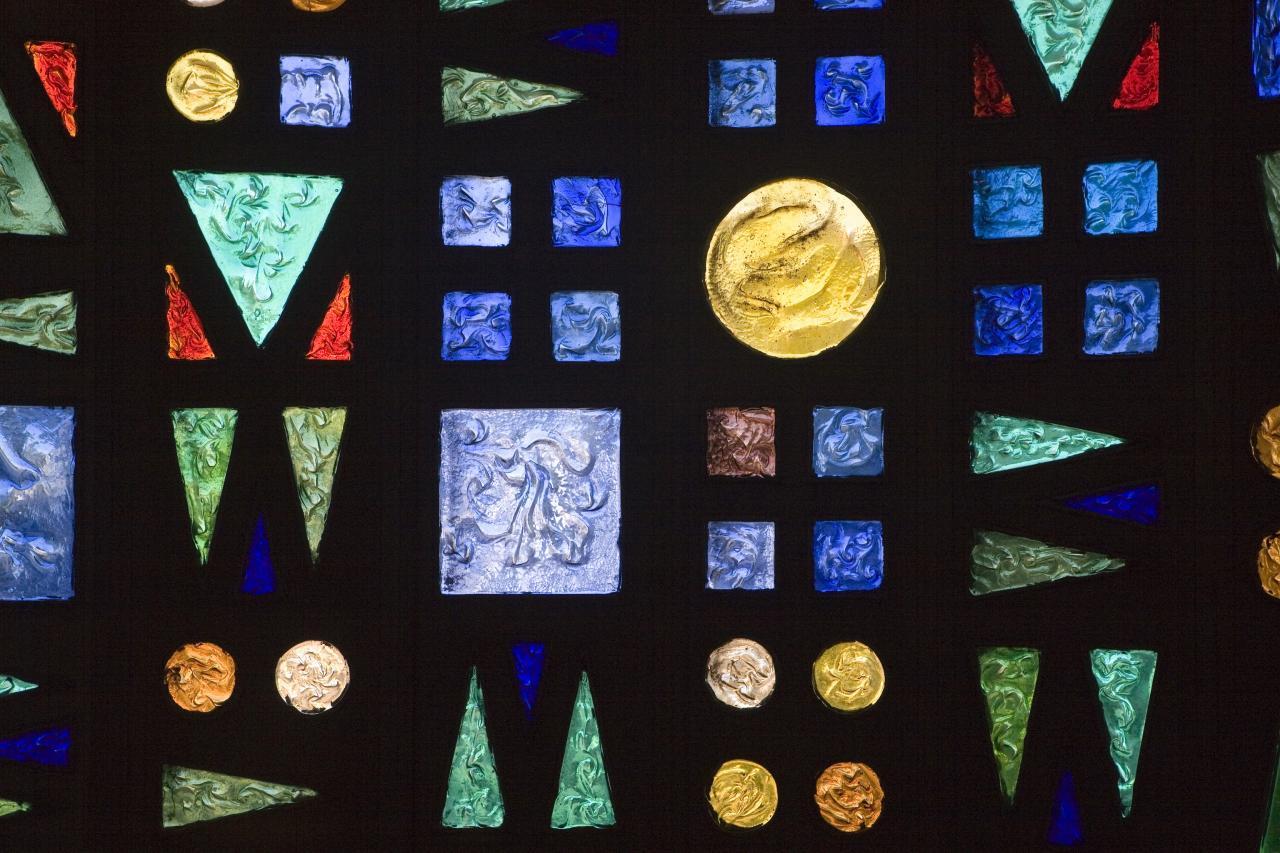 Eglise Ste-Julienne - vitrail de la chapelle de semaine
